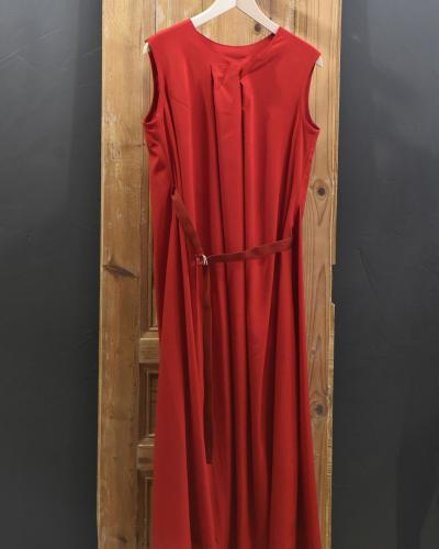 Robe rouge fluide