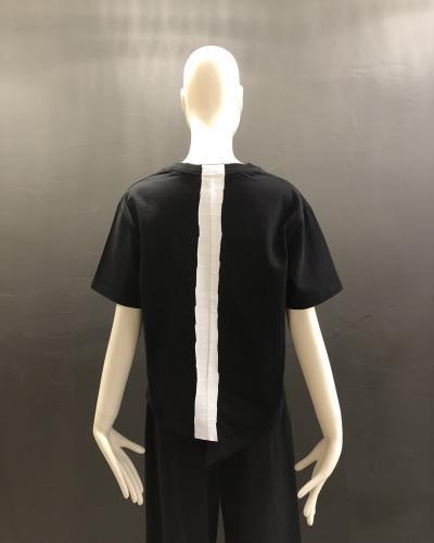 T-shirt noir bande contrastée blanche dans le dos