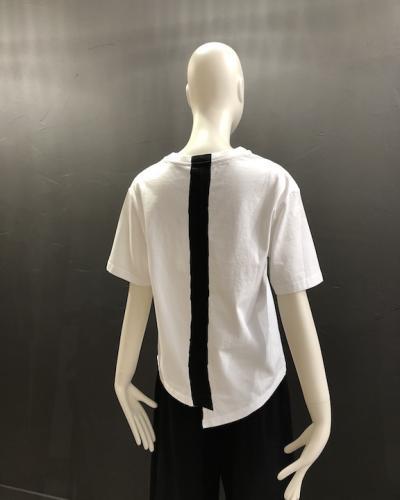T-shirt blanc bande contrastée noire dans le dos