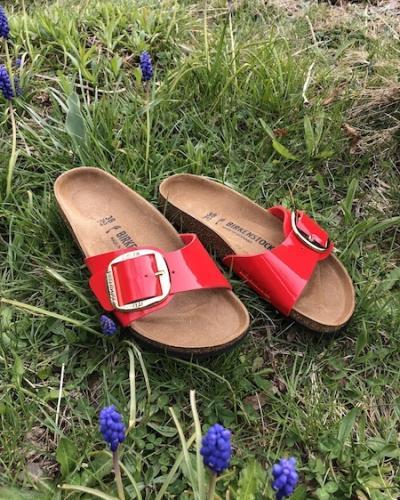 Sandales birkenstock vernis rouge